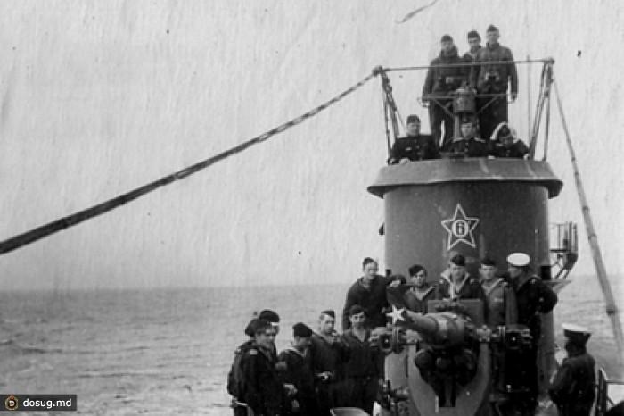 на его борту, по данным разных иностранных изданий, находились тысячи немецких подводников, которых